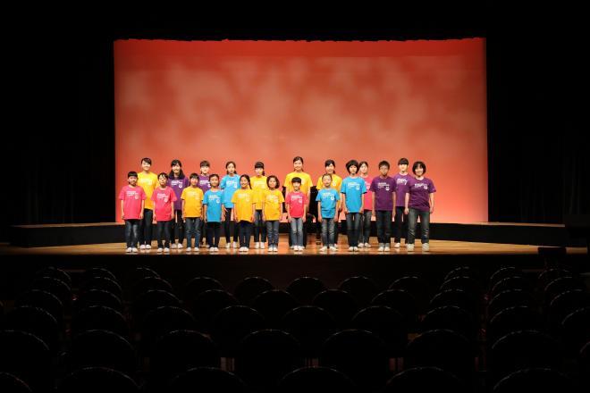 東京荒川少年少女合唱隊写真.jpg